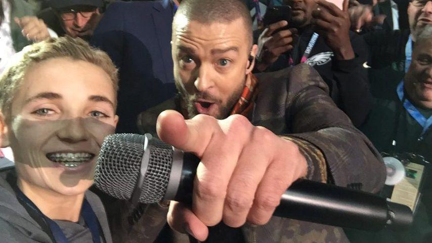 Selfie-Hit: Dieser Boy klaut Justin beim Super Bowl die Show