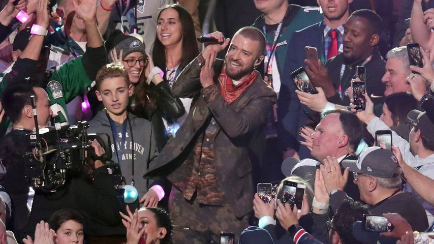 Ryan McKenna und Justin Timberlake bei der Halbzeitshow des Super Bowls