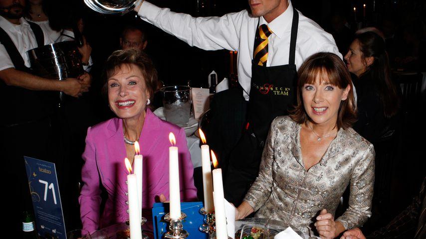 Die Moderatorinnen Antje-Katrin Kuehnemann und Sabine Sauer, 2008