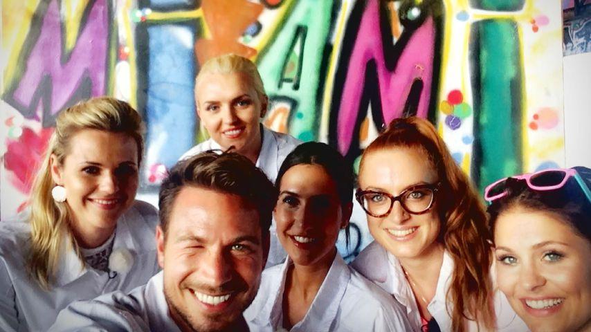 "Sebastian Pannek mit den ""Bachelor""-Girls Sabrina, Erika, Clea-Lacy, Alesa und Julia"