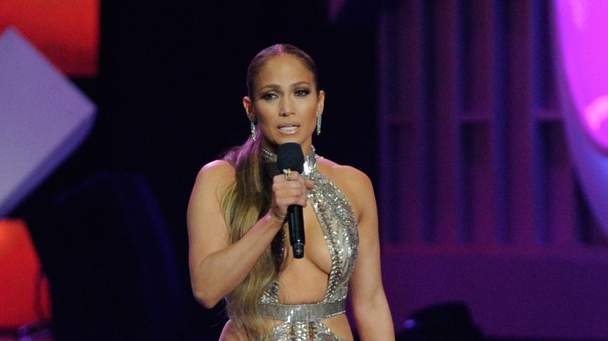 Sängerin Jennifer Lopez auf der Bühne