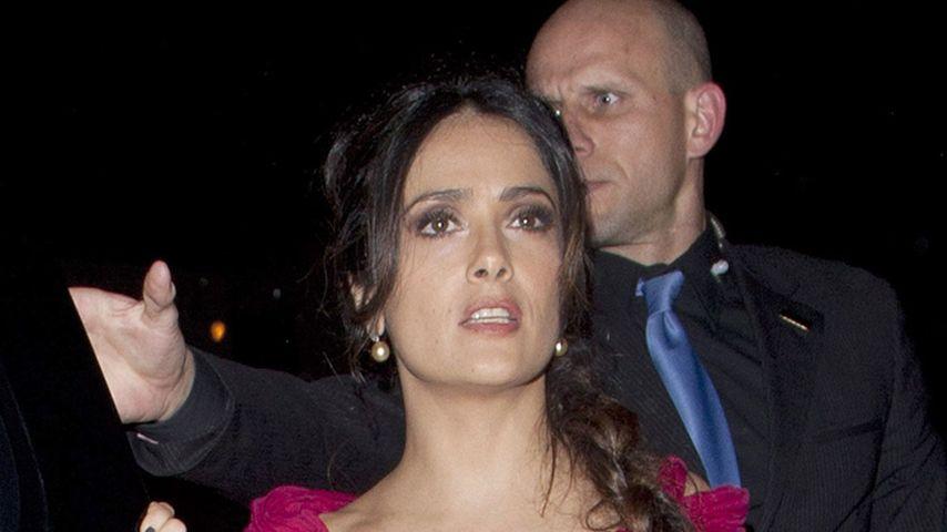 Salma Hayek: Nippel-Blitzer im Oscar-Kleid | Promiflash.de