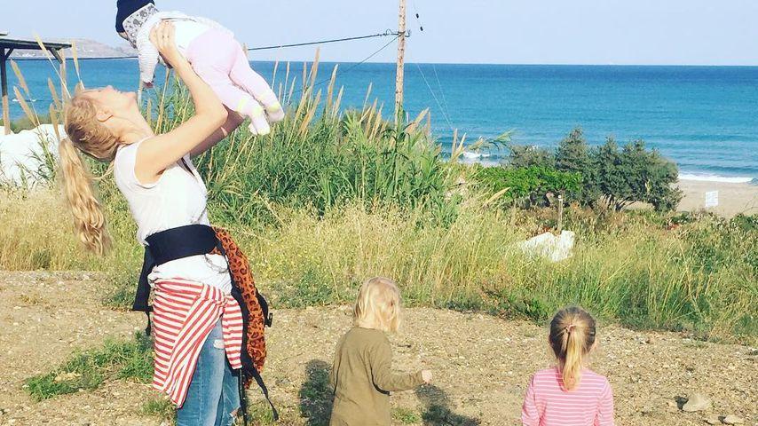 """1. """"Freundeurlaub"""" mit Kids: Sara Kulka schwelgt im Glück"""