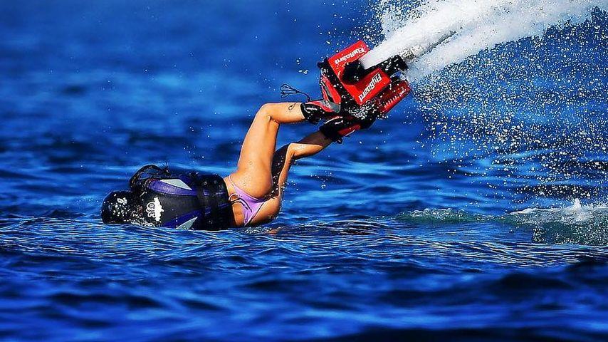 Aua! So spektakulär stürzt Sara Sampaio mit ihren Jet-Boots