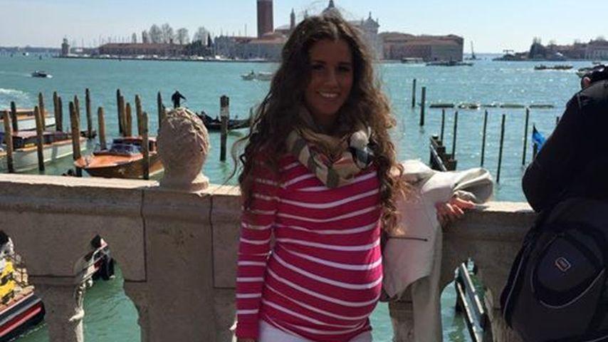 Schwanger & mega gebräunt: Sarah Lombardi zeigt Babykugel