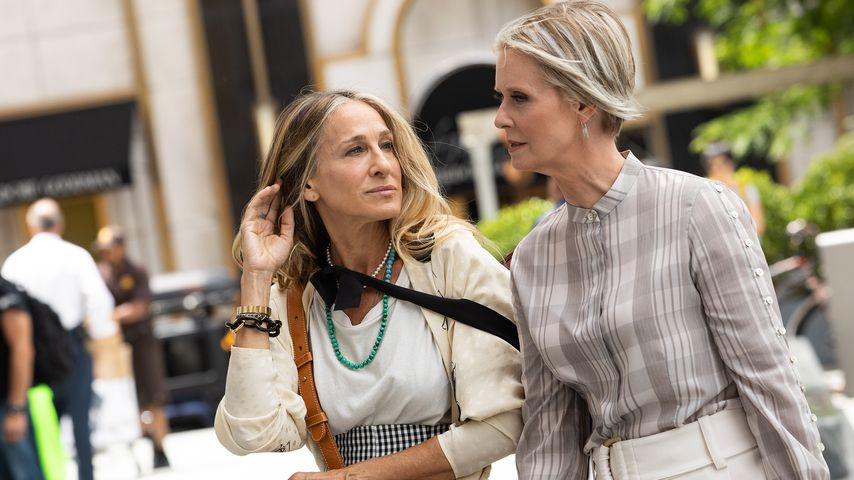 "Sarah Jessica Parker und Cynthia Nixon am Set des ""Sex and the City""-Reboots im Juli 2021"