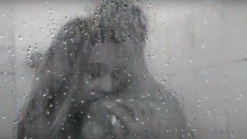 """Sarah Joelle Jahnel und Diogo Sangre im Musikvideo zu """"Nicht für immer"""""""