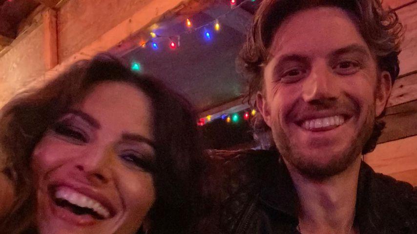 """Sarah Shahi und Adam Demos am Set von """"Sex/Life"""""""