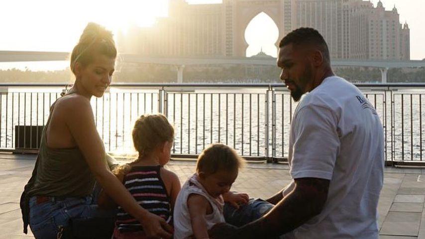 """""""Wahre Liebe"""": Die Harrisons posten ein neues Familienfoto"""
