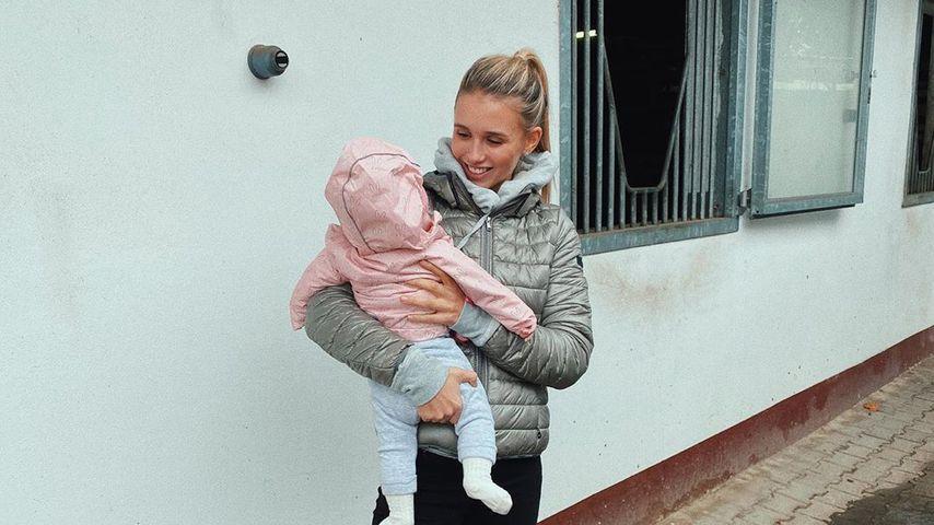 Model Scarlett Gartmann und ihr Baby