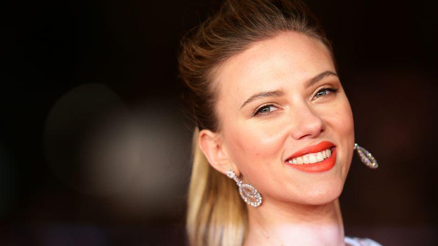 Nach Hochzeit: Scarlett Johansson erstmals mit Ring on Tour