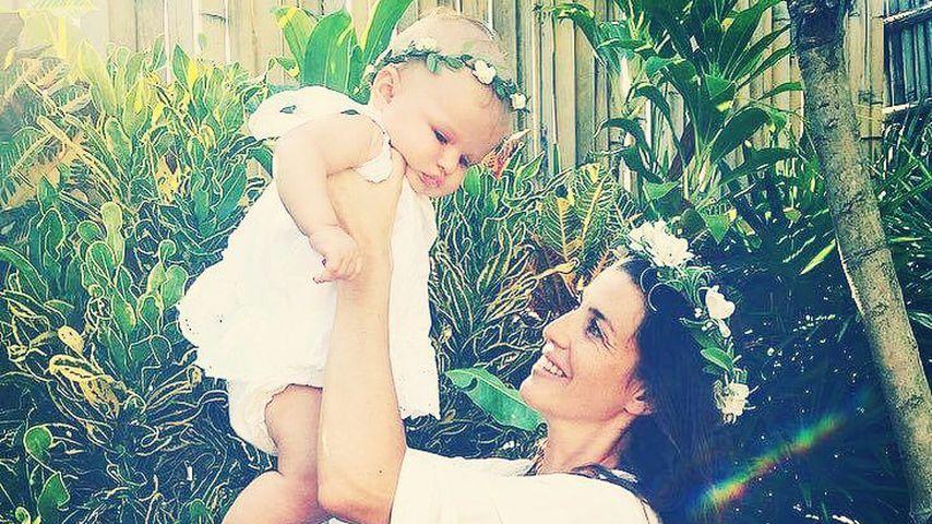 Schauspielerin Sarah Mühlhause mit Tochter Aila May
