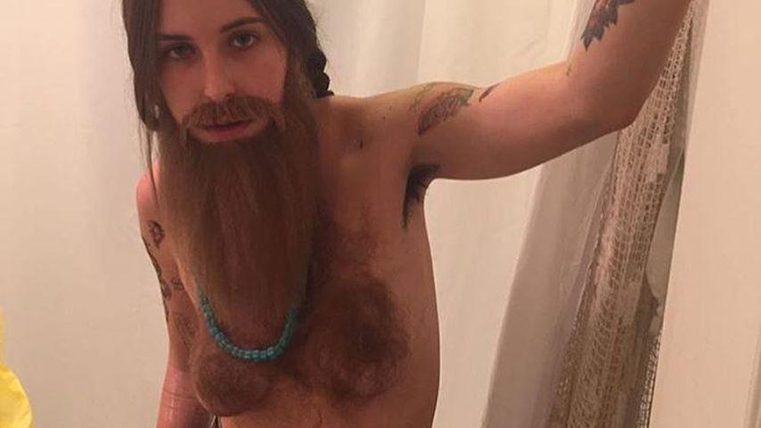 Free the Nipple: Scout LaRue Willis im Oben-Ohne-Kostüm
