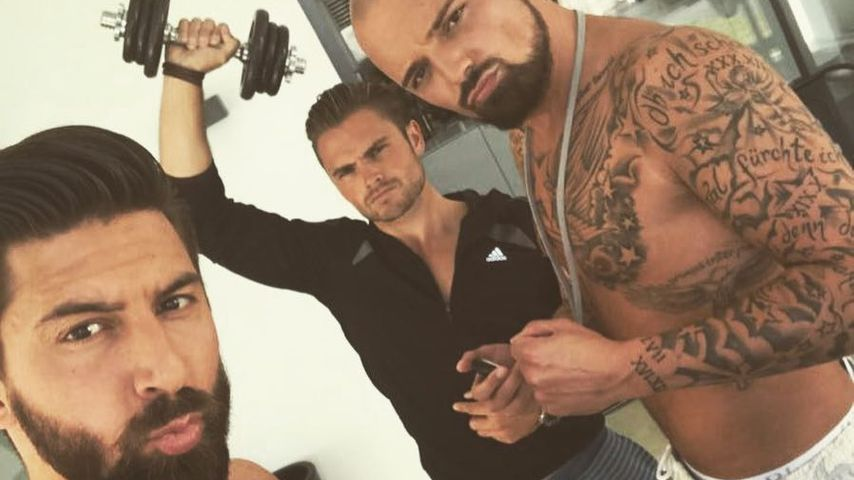 Sebastian Fobe, Johannes Haller und Niklas Schröder in der Bachelorette-Villa
