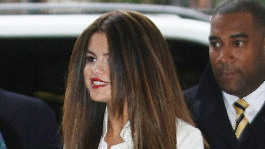 Selena Gomez strahlend schön mit Rapunzel-Haar