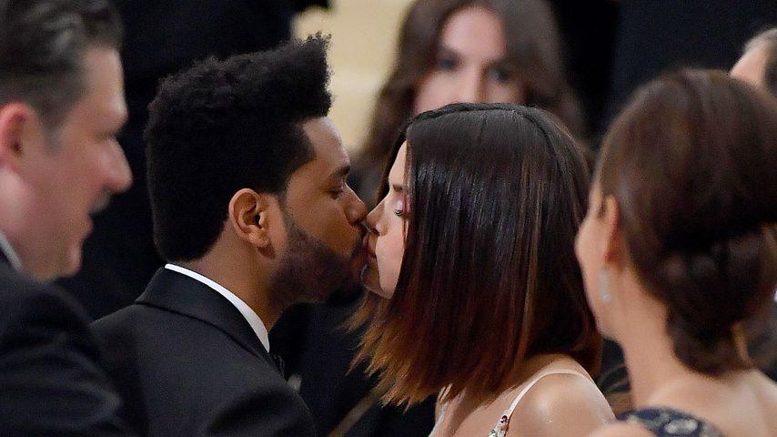 Selena Gomez und The Weeknd bei der Met Gala
