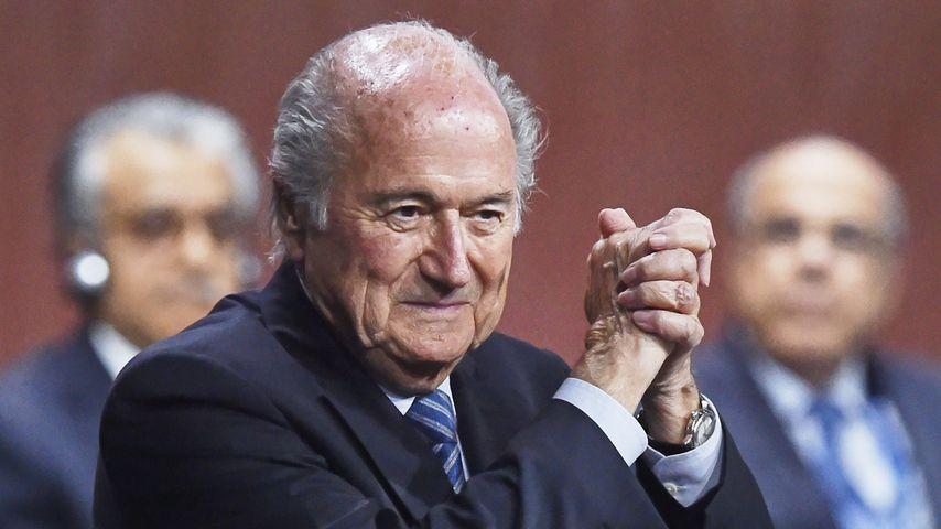 Ernsthaft? Bleibt Sepp Blatter jetzt doch FIFA-Präsident?