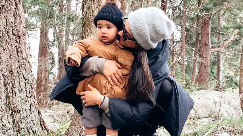 Selten: Shay Mitchell teilt knuffiges Bild mit ihrer Tochter