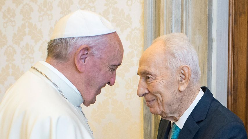 Papst Franziskus und Shimon Peres