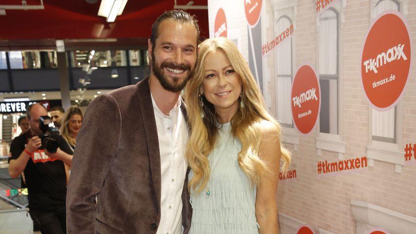 Simon Lorinser und Jenny Elvers bei ihrem Paar-Debüt im Juni 2019