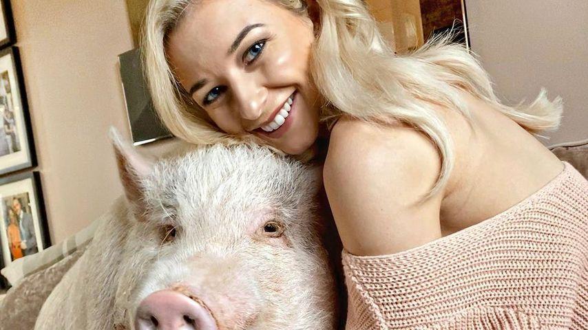 VerSAUte YouTuberin: Hausschwein ist wie ein Sohn für sie!