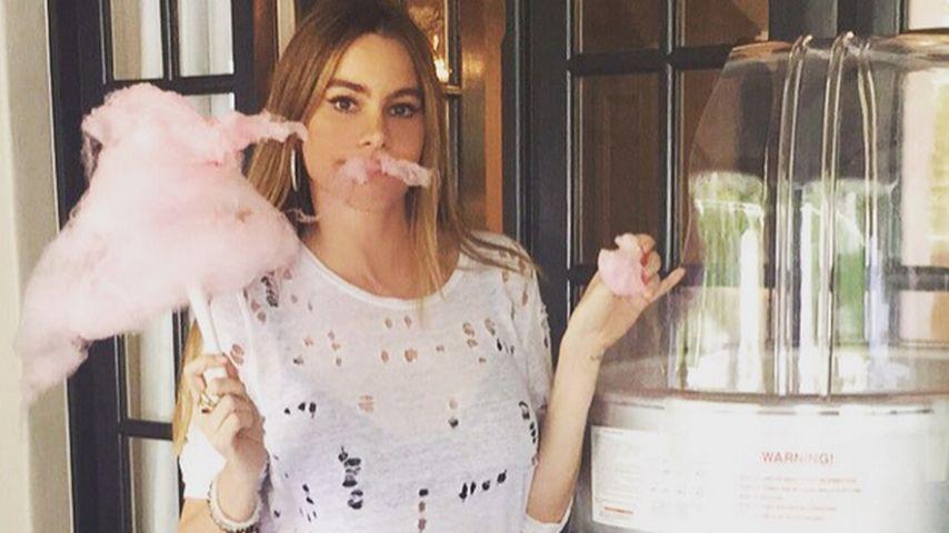 Zuckerwatte-Schnurrbart: Sofia Vergara mit süßer Verkleidung