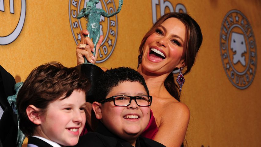Sofia Vergara, Rico Rodriguez und Nolan Gould bei den 8. Screen Actors Guild Awards