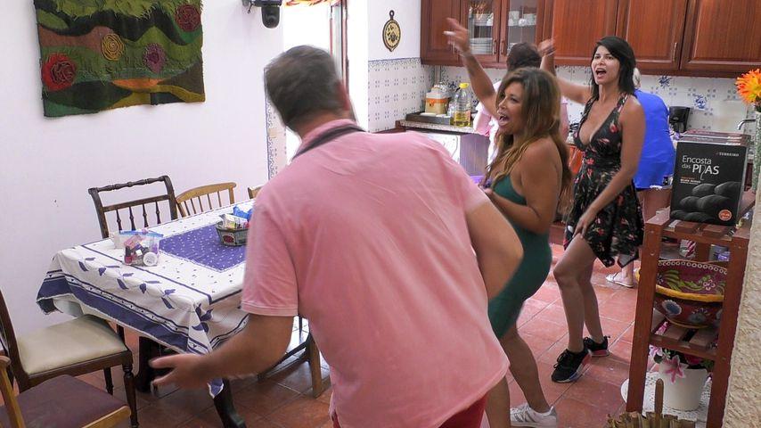 """Uwe Abel, Patricia Blanco und Micaela Schäfer in der fünften Folge von """"Das Sommerhaus der Stars"""""""