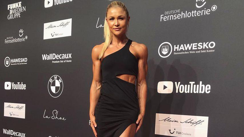 Fans geflasht: Sophia Thiel mit Muskel-Body auf Red Carpet