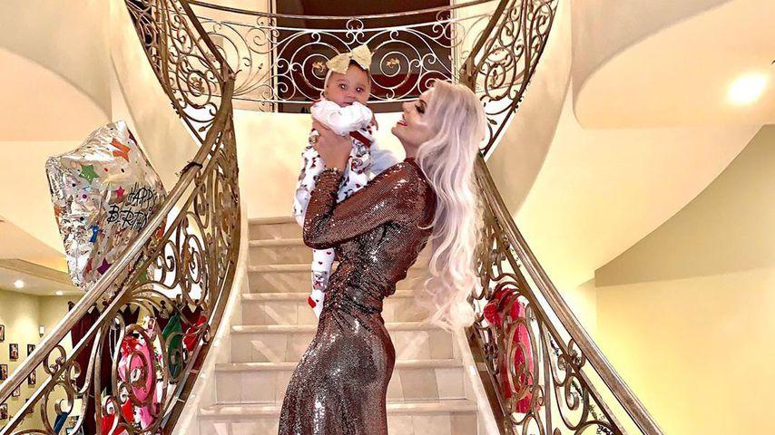 Goldig: Sophia Vegas teilt festliche Fotos mit ihrer Tochter