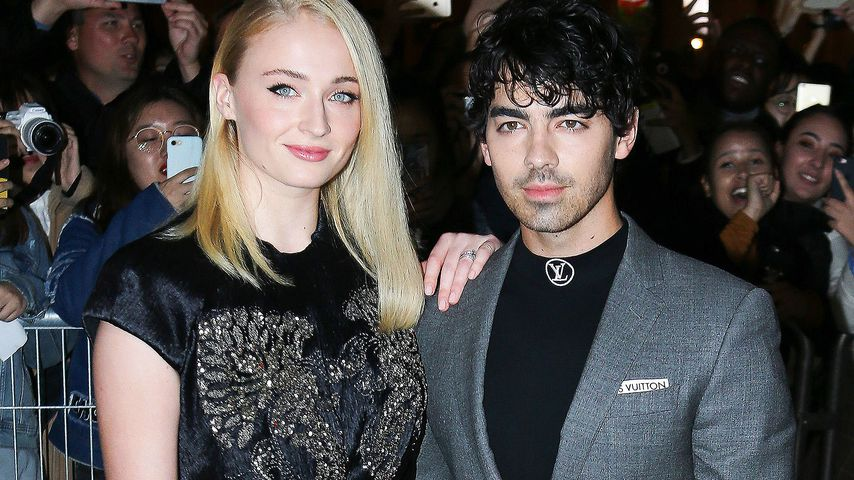 Sophie Turner und Joe Jonas geben Red-Carpet-Debüt als Paar