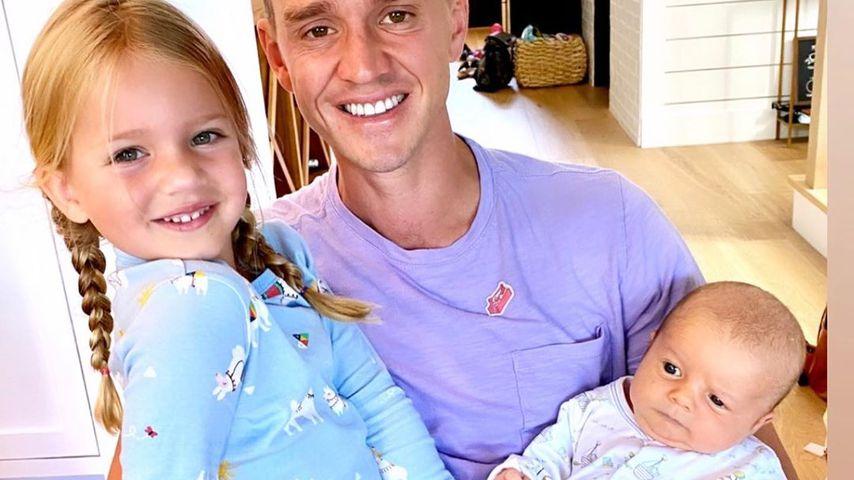 Sportler Stuart Holden mit seinen Kindern, 2020
