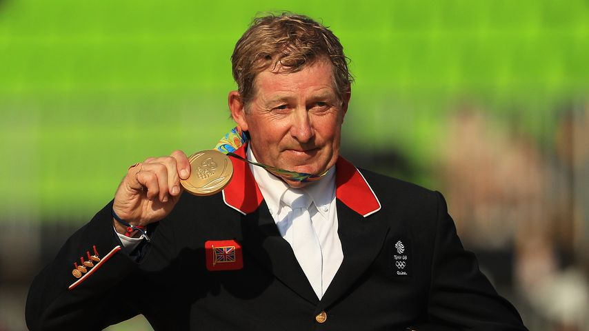 Trotz Genickbruch und künstlicher Hüfte: Gold für UK-Reiter