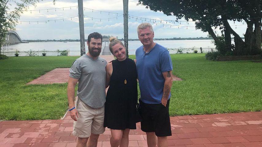 Ex-Fußballer Stefan Effenberg mit seiner Tochter und ihrem Mann