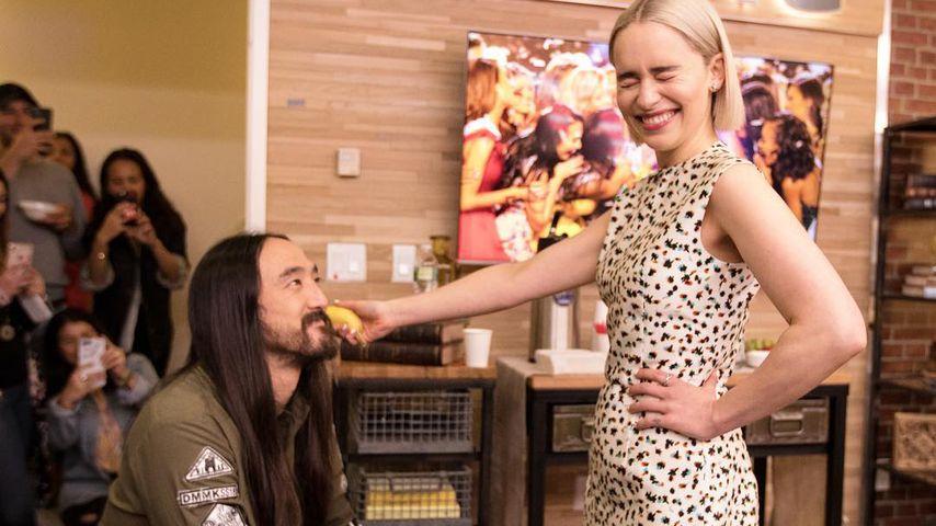 Zum Targaryen ernannt: GoT-Emilia adelt mit einer Banane!