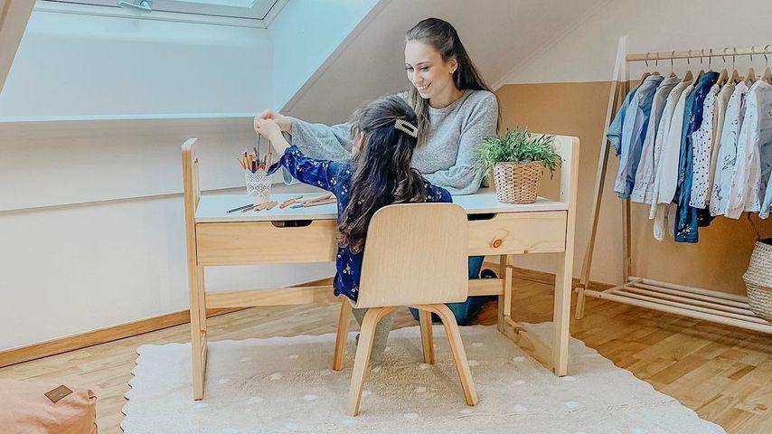 Svenja Theißen mit ihrer Tochter