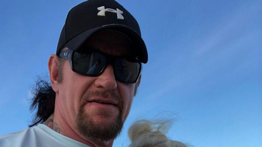 Triple H fordert den Undertaker: Hell In A Cell!
