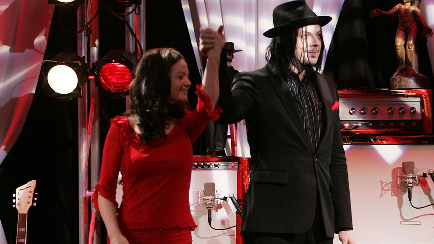 "The White Stripes in ""The Daily Show with Jon Stewart"""
