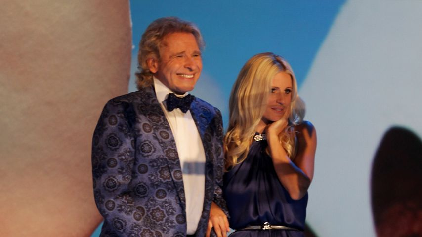 """Thomas Gottschalk und Michelle Hunziker bei """"Wetten, dass..?"""", 2011"""