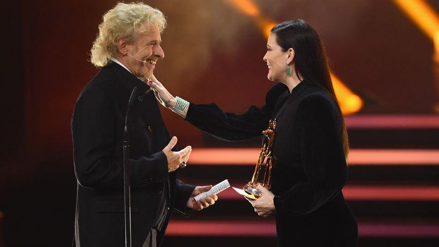 Thomas Gottschalk und Liv Tyler während der 70. Bambi-Preisverleihung