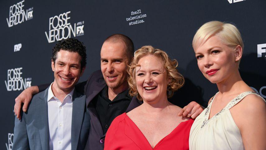 """Thomas Kail (links), Michelle Williams (rechts) und ein Teil der """"Fosse/Verdon""""-Crew"""