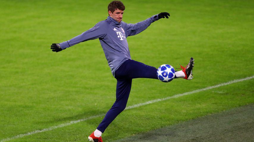 Thomas Müller beim Aufwärmen fürs Champions League-Spiel Bayern München vs. Ajax Amsterdam