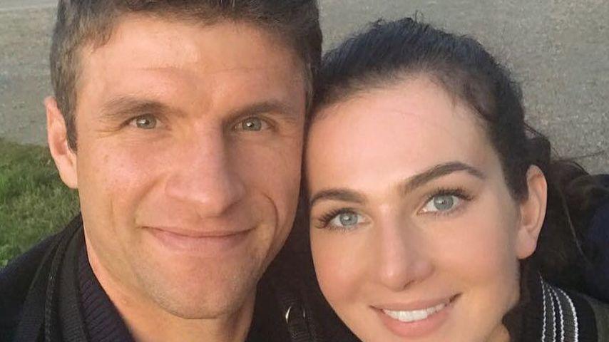 Frau statt Fußball: Thomas Müller & seine Lisa so verliebt!