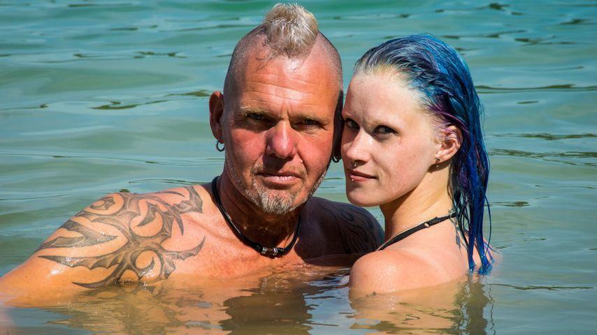 """""""Bauer sucht Frau""""-Teilnehmer Thomas und seine Freundin Jessy, August 2020"""