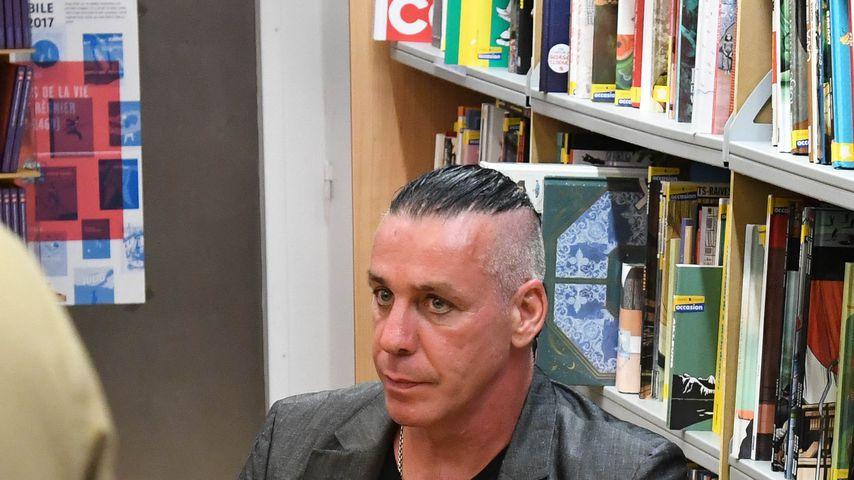 Till Lindemann bei einer Autogrammstunde in Paris im Mai 2017