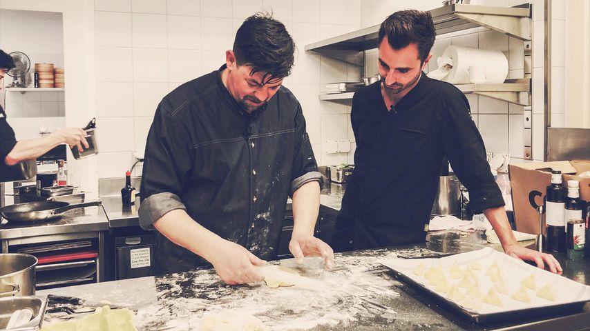 """Tim Mälzer bei """"Kitchen Impossible"""" 2020"""