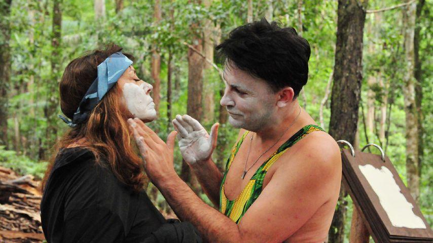 Tina York und Matthias Mangiapane bei einer Dschungel-Schatzssuche
