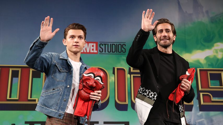 "Tom Holland und Jake Gyllenhaal bei einer Pressekonferenz zu ""Spider-Man: Far from Home"""