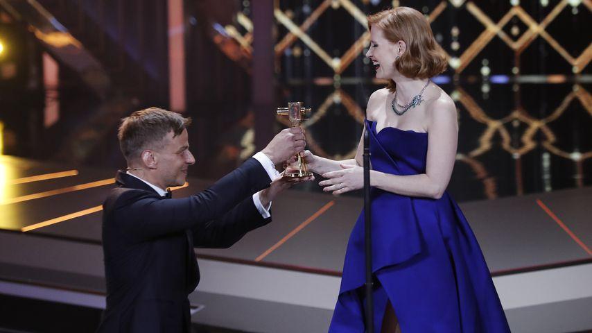 Tom Wlaschiha und Jessica Chastain bei der Goldenen Kamera in Berlin im März 2019