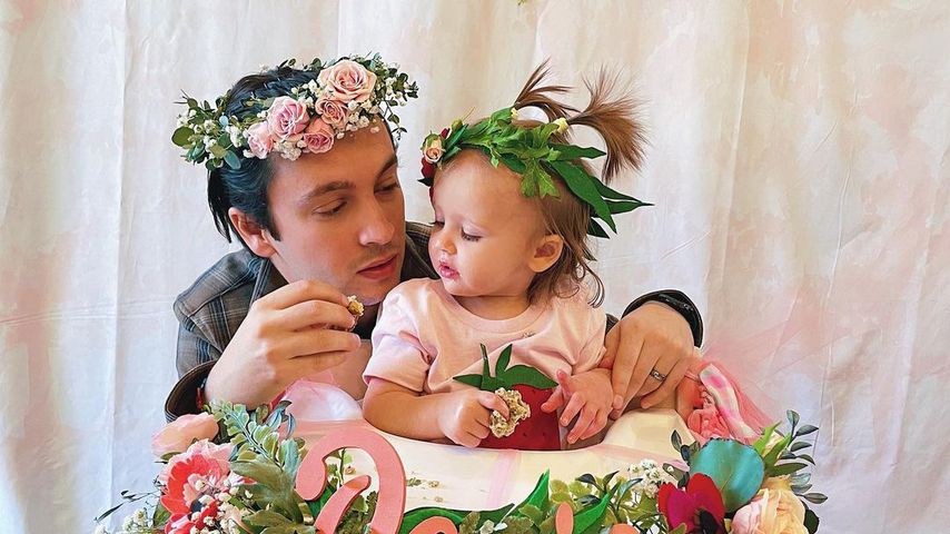 Sänger Tyler Joseph und seine Tochter Rosie